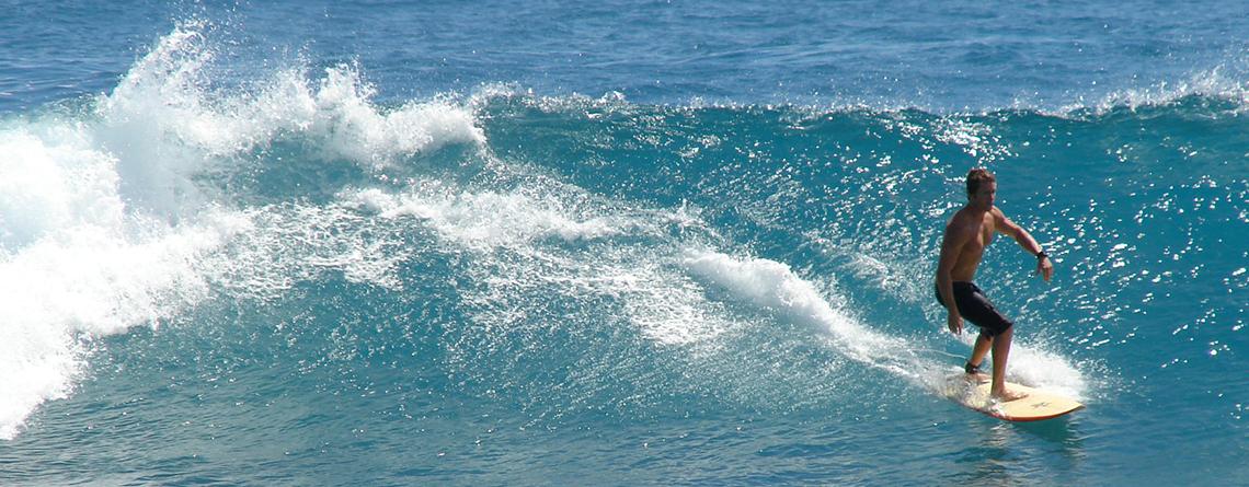 Oren Surfing